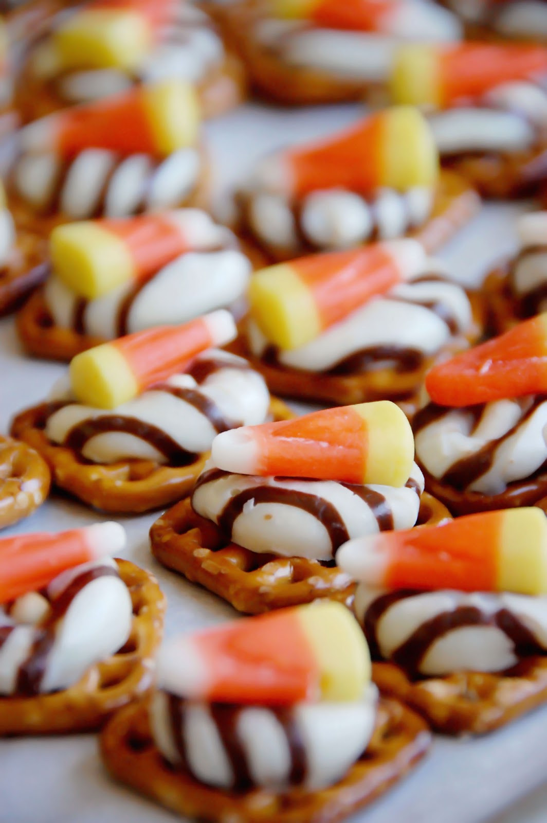 Halloween Pretzels Treats  Barefoot and Baking Sweet and Salty Halloween Treats
