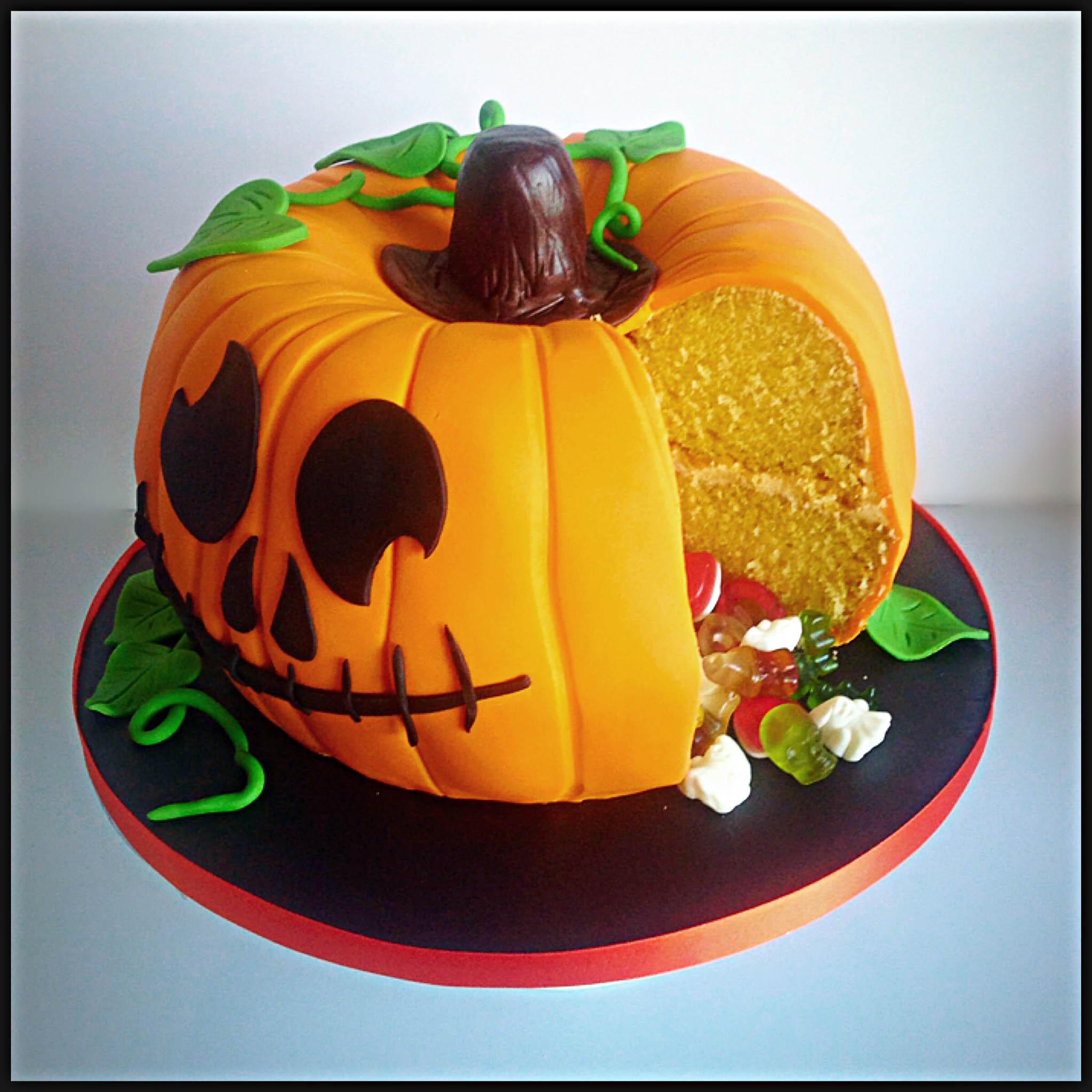 Halloween Pumkin Cakes  How To Make A Party Pumpkin Piñata Cake