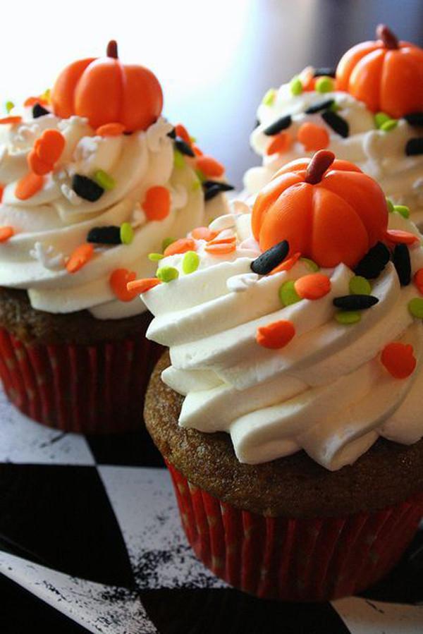 Halloween Pumpkin Cupcakes  35 Delicious Halloween Cupcake Ideas