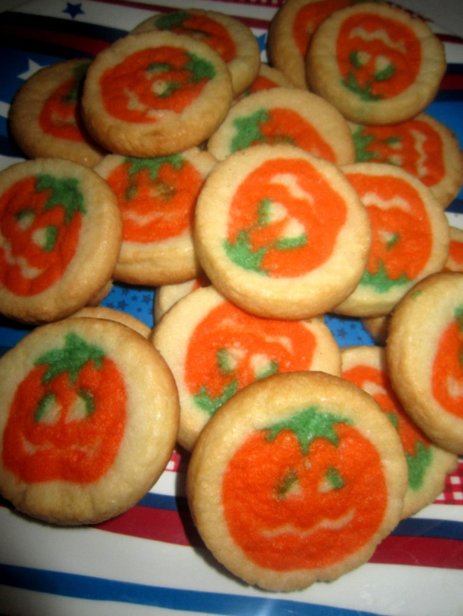 Halloween Sugar Cookies Pillsbury  The Holidaze Pillsbury Halloween Cookies