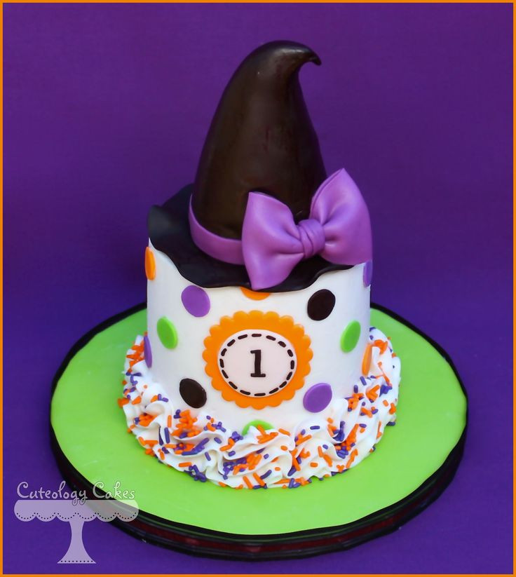 Halloween Themed Birthday Cakes  Best 25 Witch cake ideas on Pinterest