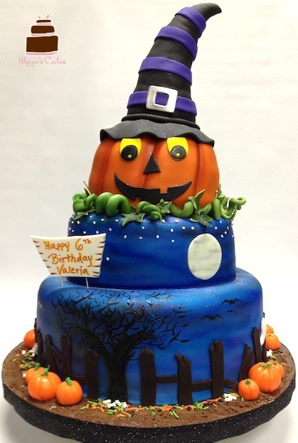 Halloween Themed Birthday Cakes  124 best images about Birthday Ideas on Pinterest