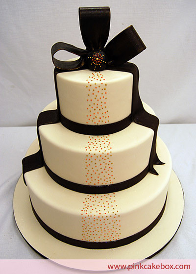 Halloween Themed Cakes  Elegant Halloween theme wedding cake
