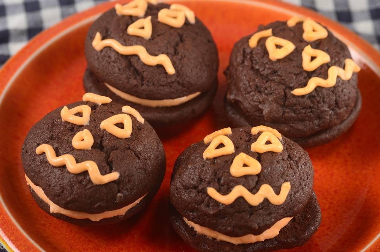 Halloween Whoopie Pies  Halloween Whoopie Pies Joyofbaking Video Recipe