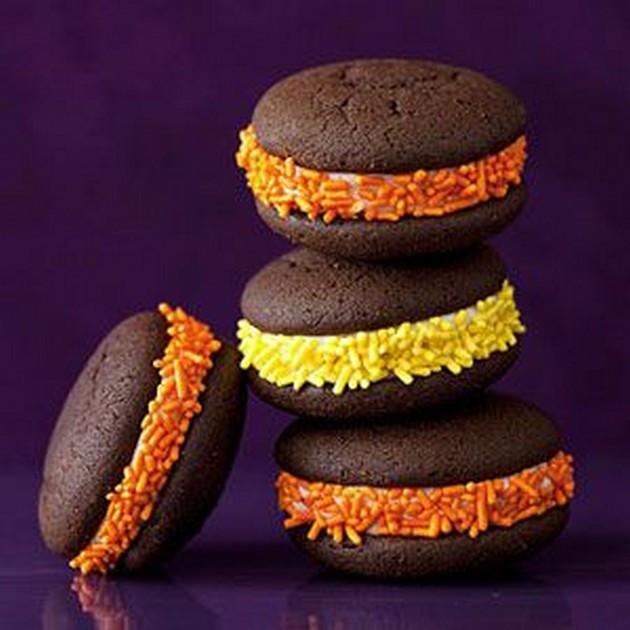 Halloween Whoopie Pies  Halloween Snack Ideas 13