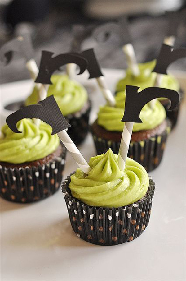 Halloween Witch Cupcakes  35 Delicious Halloween Cupcake Ideas