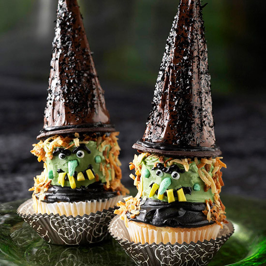 Halloween Witch Cupcakes  DIY Food Decorating Halloween Cupcakes with Your Kids