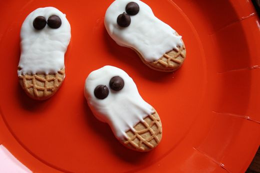 Home Made Halloween Cookies  7 of the cutest and creepiest Halloween cookies haunting