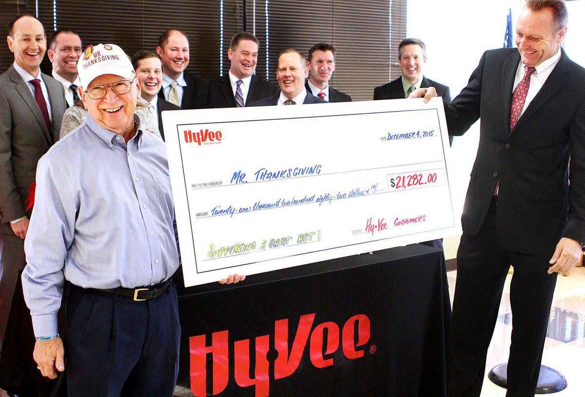 Hy Vee Thanksgiving Dinner To Go 2019  Mr Thanksgiving s big donation from Hy Vee stores