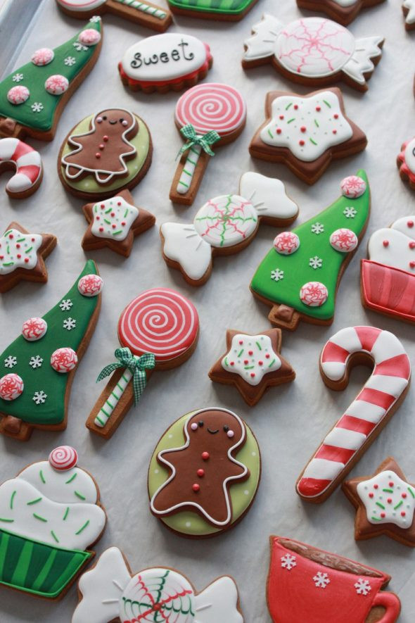Iced Christmas Cookies  How to Color Icing Red