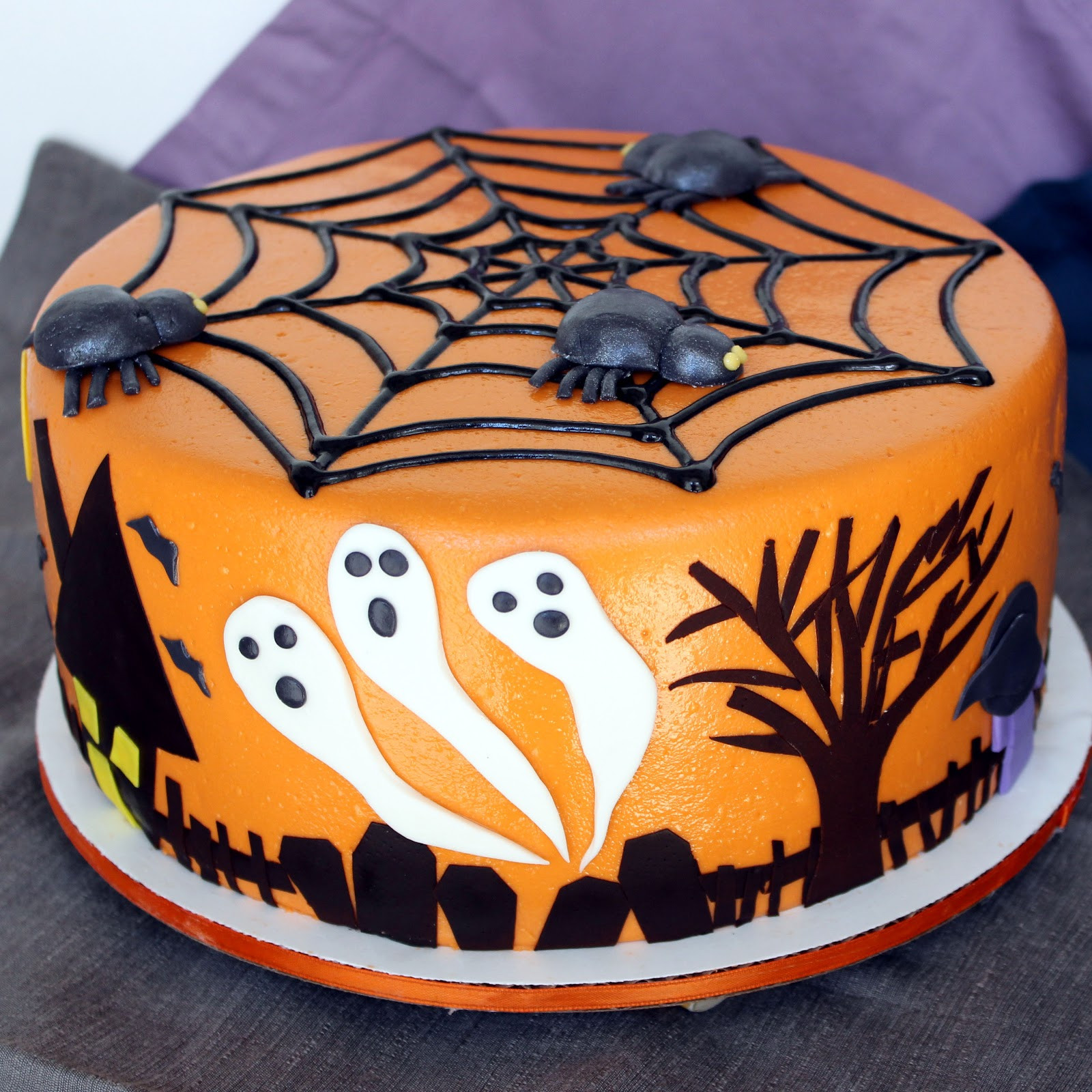 Images Of Halloween Cakes  Leelabean Cakes A Frankenstorm Halloween