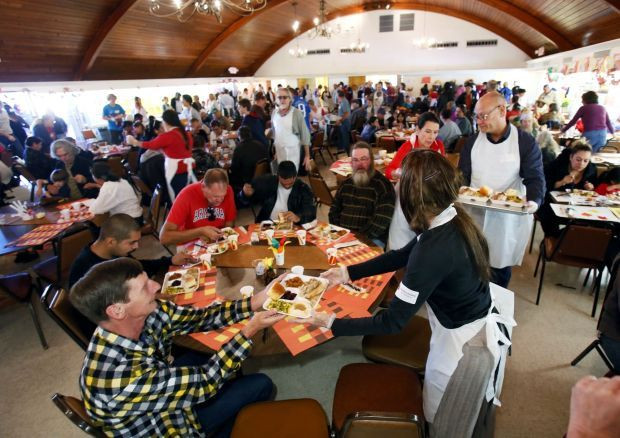 Lunds Thanksgiving Dinners  2 agencies need donations to serve holiday meals