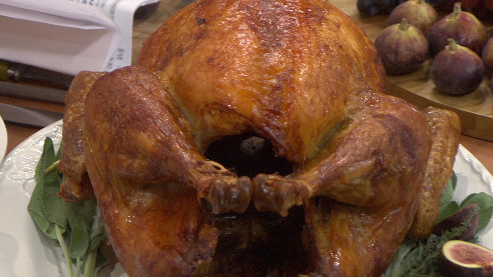 Martha Stewart Thanksgiving Turkey  Try Martha Stewart's upside down Thanksgiving turkey with