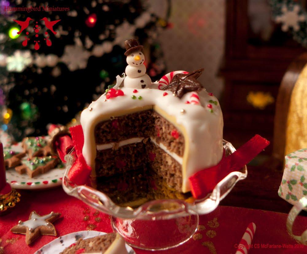 Merry Christmas Cakes  Hummingbird Miniatures Merry Berry Christmas Cake