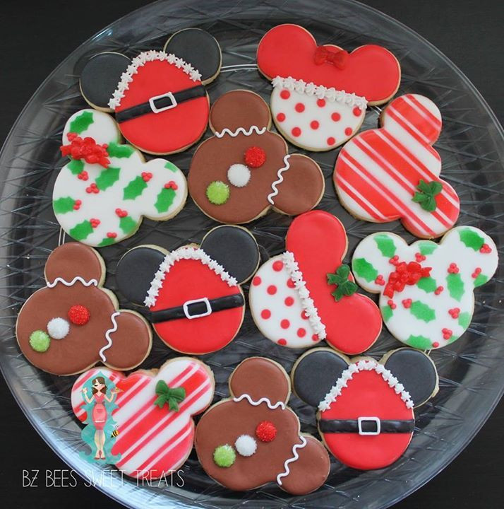 Mickey Christmas Cookies  1000 ideas about Mickey Cakes on Pinterest