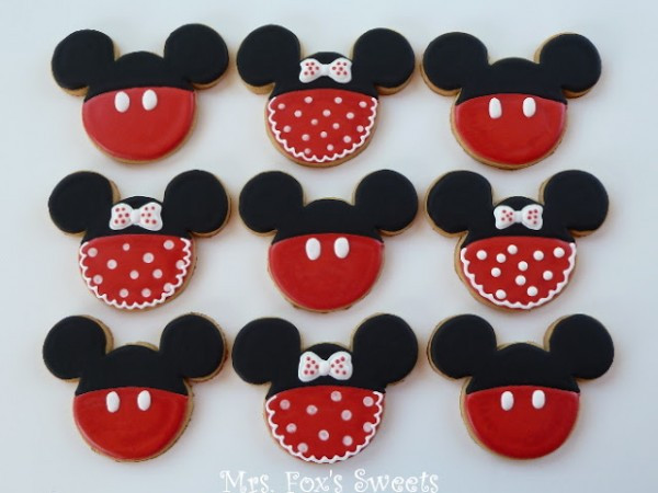 Mickey Christmas Cookies  How to Have a Very Merry Mickey Christmas – Surf and Sunshine
