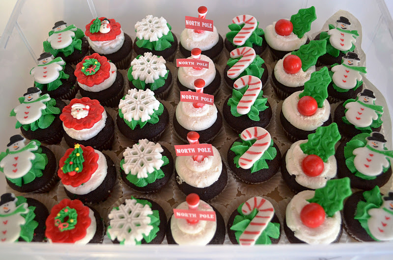 Mini Christmas Cup Cakes  Sweetology Mini Cupcakes in their Christmas Best
