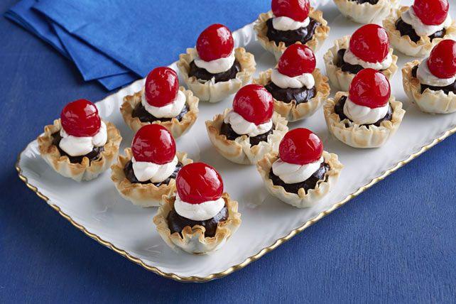Mini Christmas Desserts  Best ideas about Holiday Mini Desserts Mini Holiday and