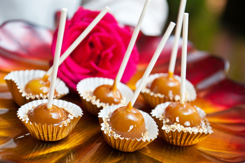 Mini Fall Desserts  American Caramel Apples
