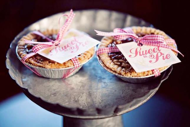 Mini Fall Desserts  FunFavors Events Friday Weddings Fall Pretty Desserts