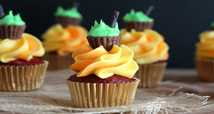 Mini Halloween Cupcakes  Mini Halloween Cauldron Cupcakes