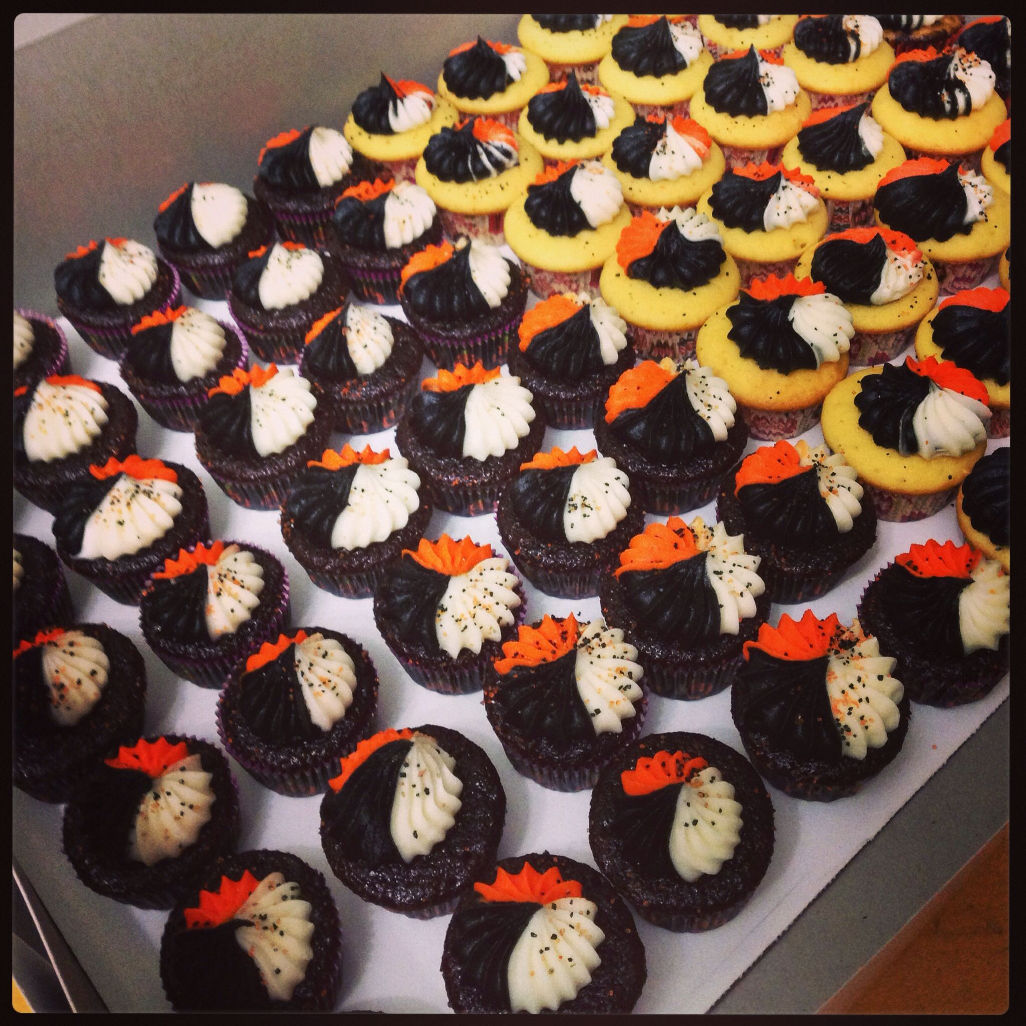 Mini Halloween Cupcakes  Halloween Mini Cupcakes Mini cupcake