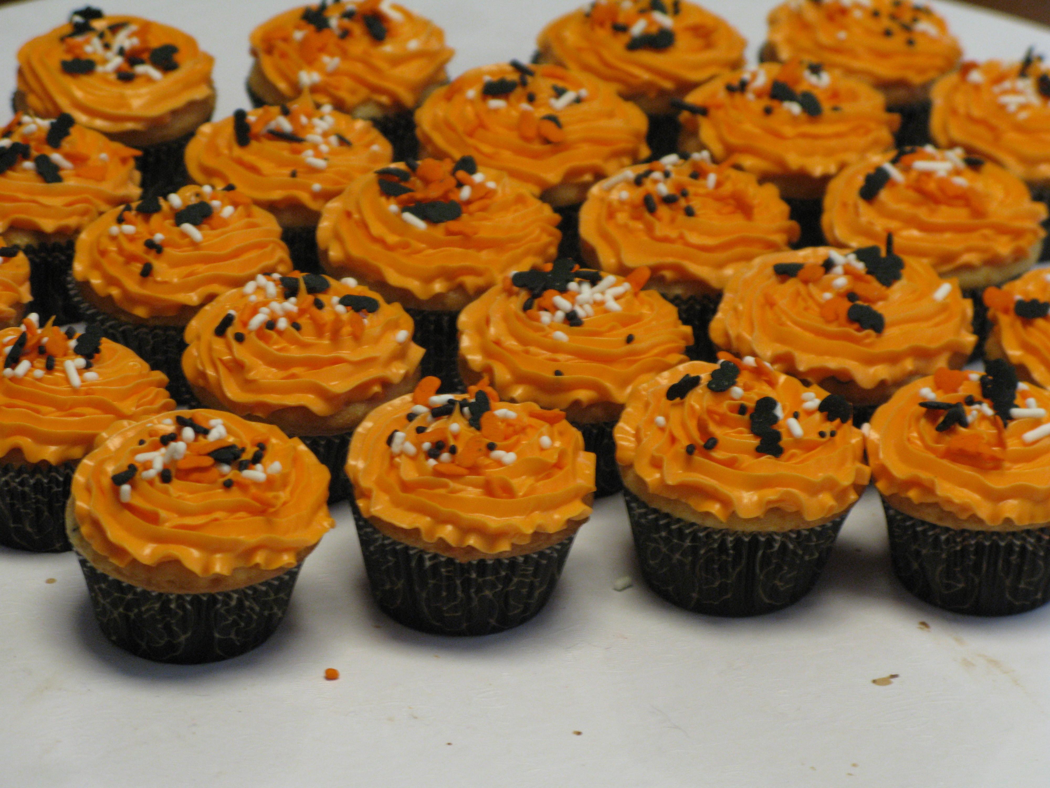 Mini Halloween Cupcakes  Mini Halloween Cupcakes
