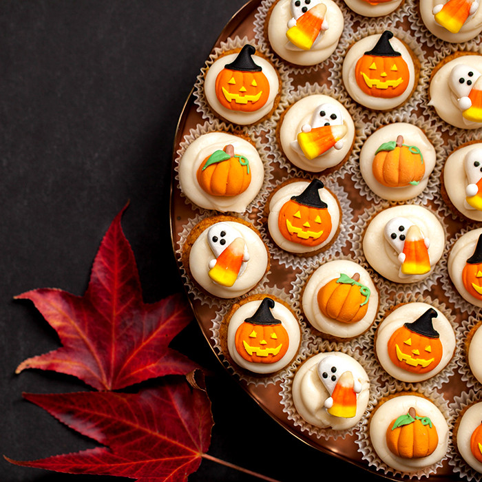 Mini Halloween Cupcakes  Pumpkin Spice Mini Cupcakes with Cream Cheese Frosting