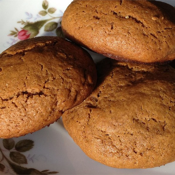 Molasses Christmas Cookies  Christmas Molasses and Ginger Cookies – CookieRecipes