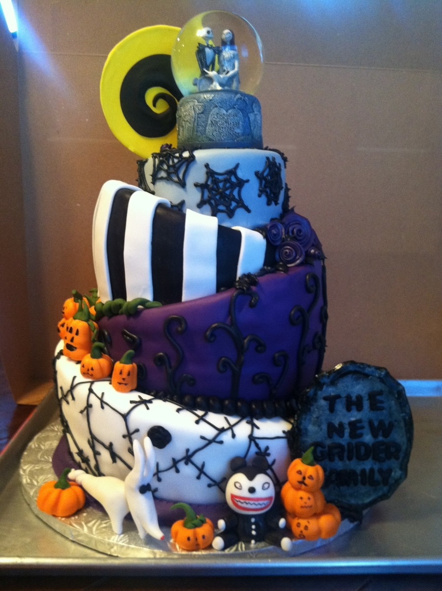 Nightmare Before Christmas Cakes Decorations  Topsy Turvy Nightmare Before Christmas Wedding Cake