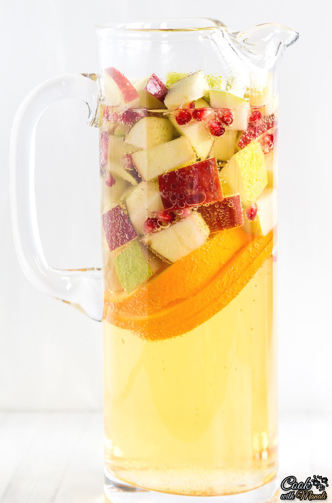 Non Alcoholic Drinks For Thanksgiving  Refreshing DIY Non Alcoholic Apple Cider Sangria