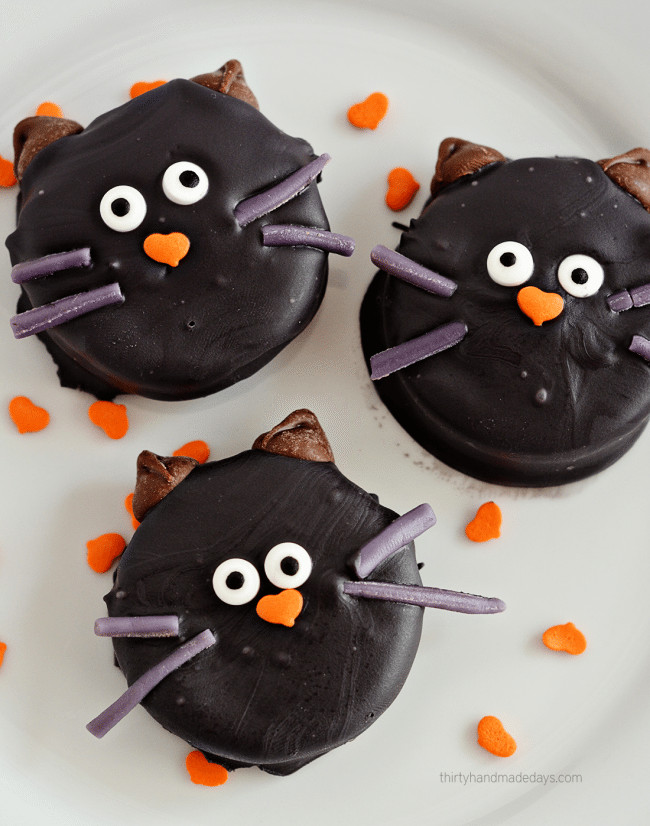 Oreo Halloween Cookies  Halloween Cat Oreo Cookies