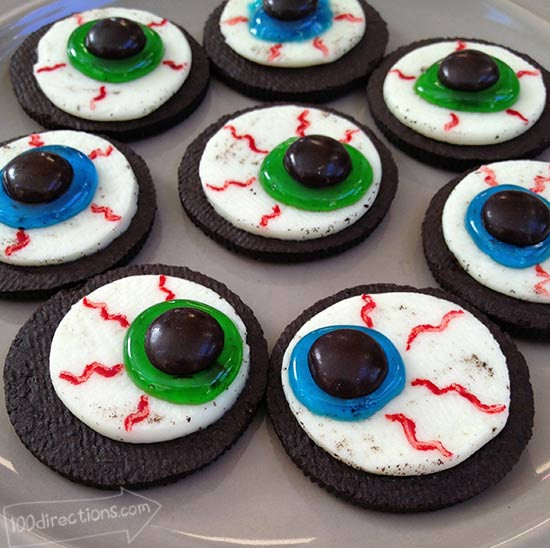 Oreo Halloween Cookies  OREO Cookie Eyeballs Halloween Treat DIY 100 Directions