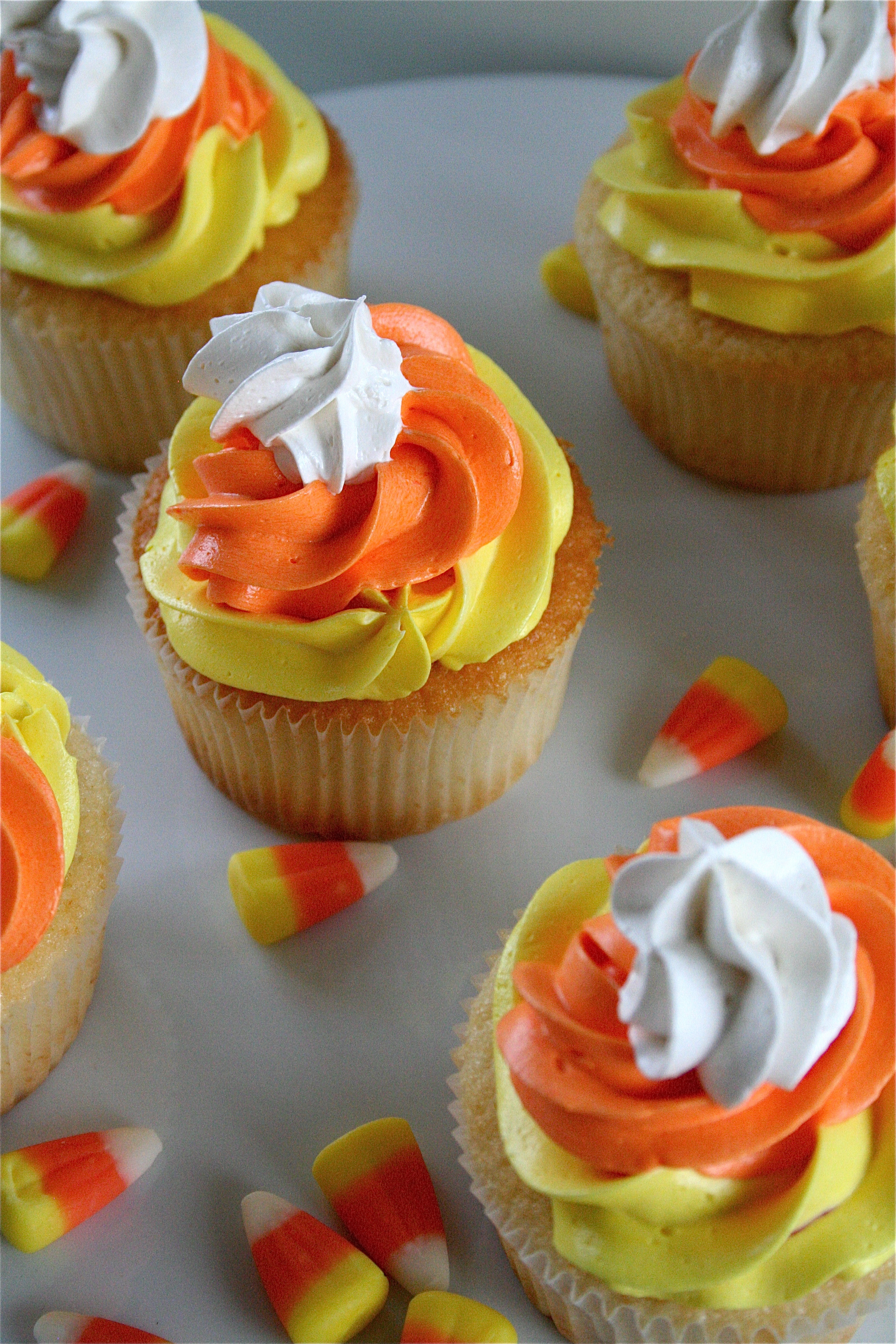 Picture Of Halloween Cupcakes  28 Cute Halloween Cupcakes Easy Recipes for Halloween