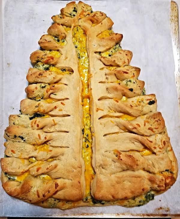 Pizza Dough Spinach Dip Christmas Tree  Candi s Christmas Tree Bread Recipe