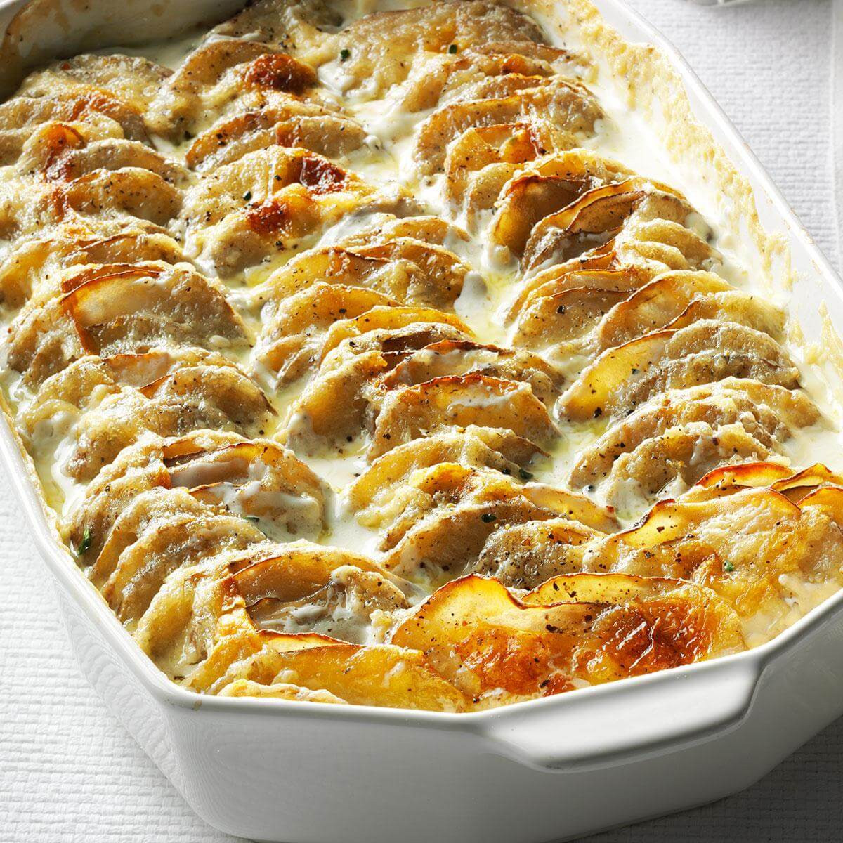 Potatoes Thanksgiving Side Dishes  Super Simple Scalloped Potatoes Recipe