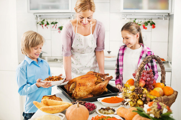 Preparing A Turkey For Thanksgiving  Modern Mom Healthiest Thanksgiving foods for kids