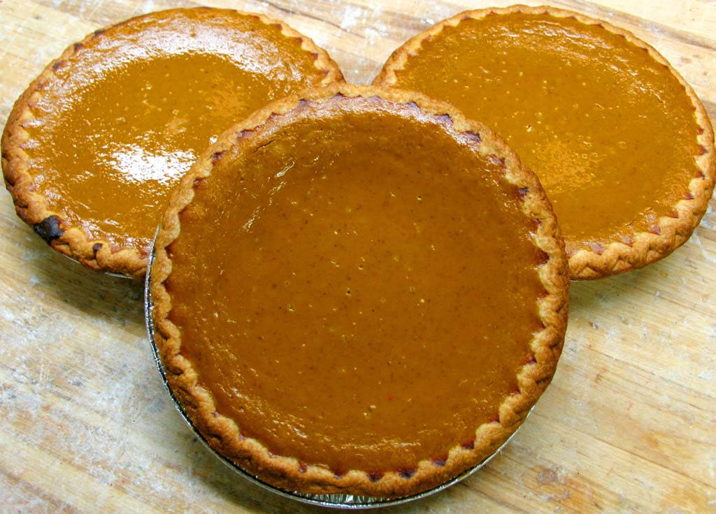 Pumpkin Pie Thanksgiving  Bennison s Bakery Thanksgiving 2018