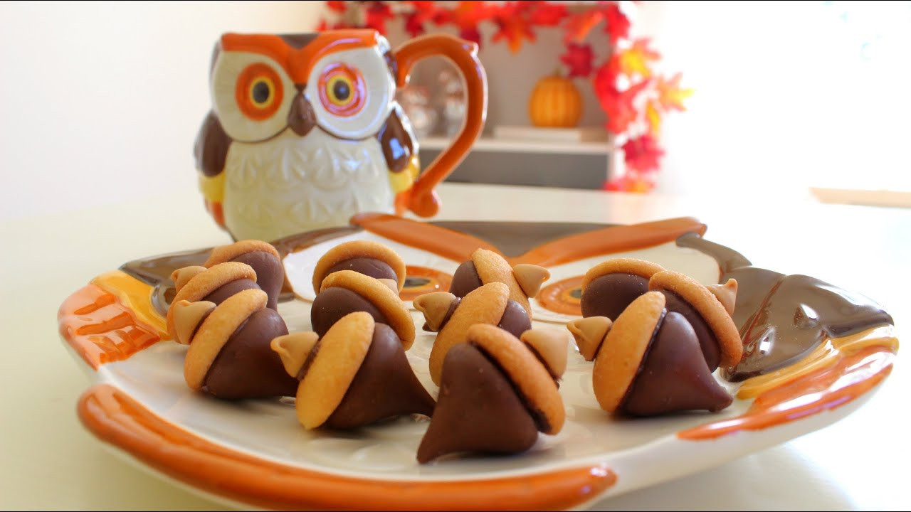 Quick And Easy Fall Desserts  DIY Quick & Easy Fall Treats Kisses Acorn Treats