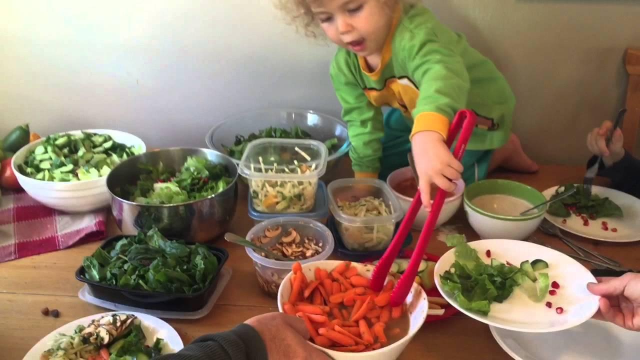 Raw Vegan Thanksgiving  VLOG My little Raw Vegan Thanksgiving just fun with