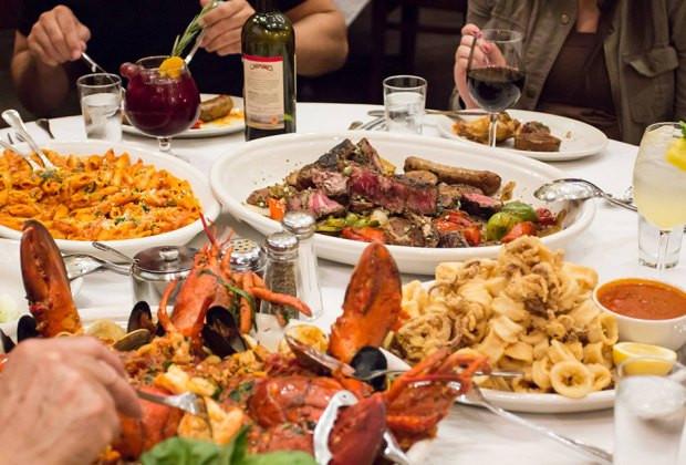 Restaurants Serving Thanksgiving Dinner  25 NYC Restaurants Serving Family Thanksgiving Dinner