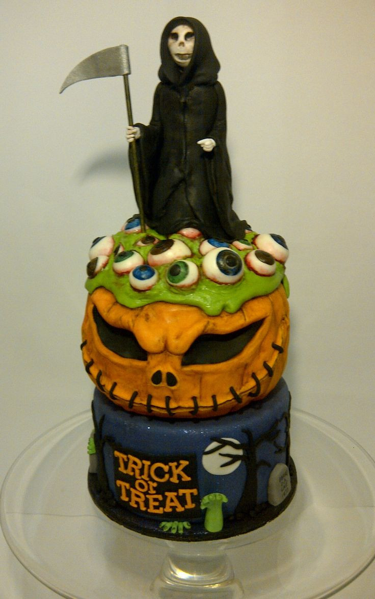 Scary Halloween Cakes  17 Best ideas about Scary Halloween Cakes on Pinterest