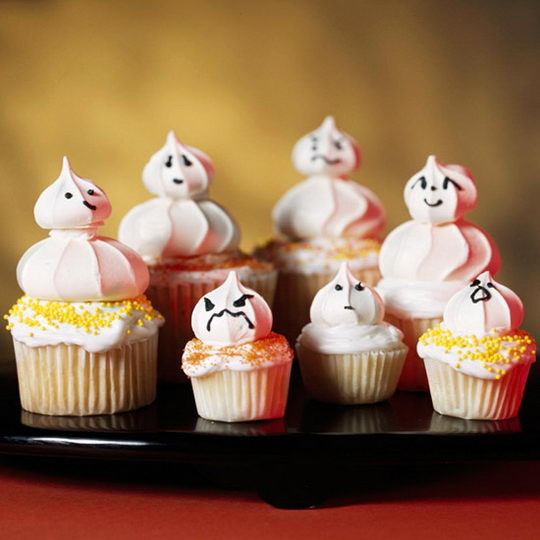 Scary Halloween Cupcakes  Woot Finger Tips Scary Cupcakes Dare to Eat