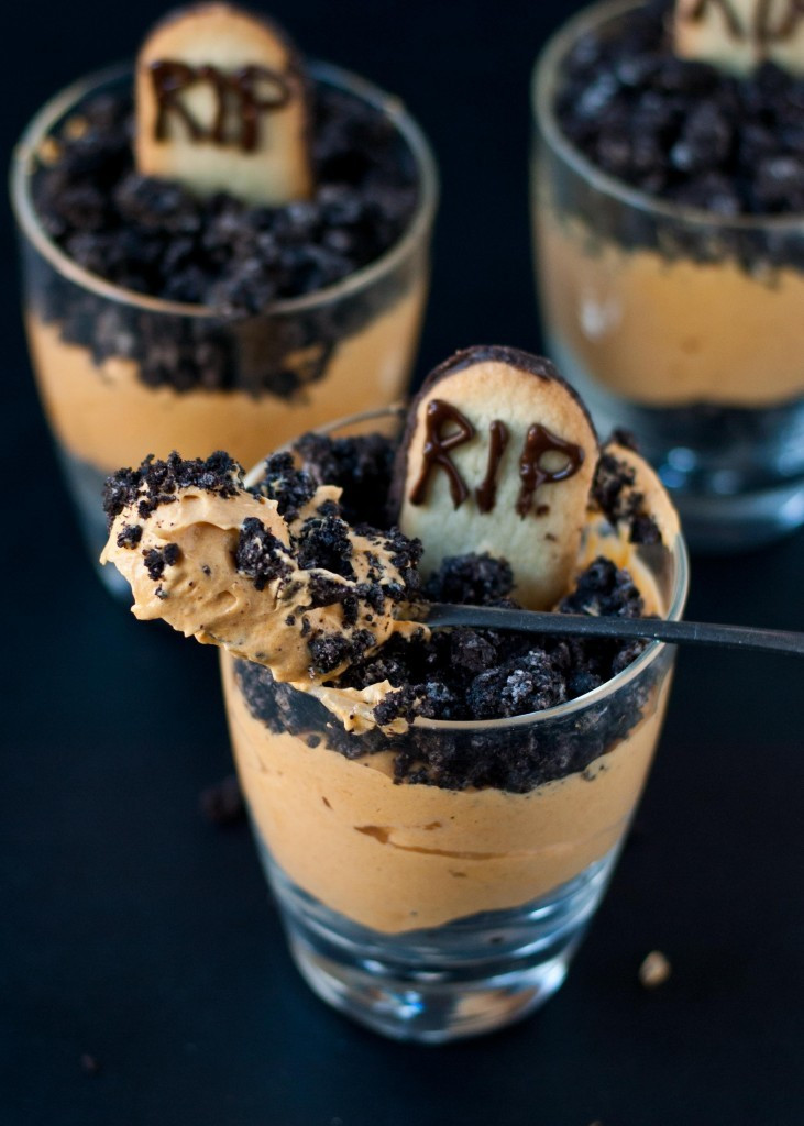 Scary Halloween Dessert  Spooky and Sweet Treats