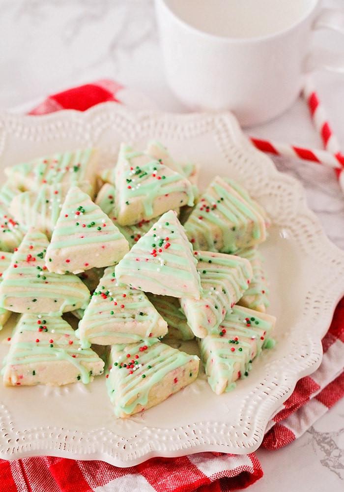 Shortbread Cookies Christmas  Easy Shortbread Christmas Cookies Recipe