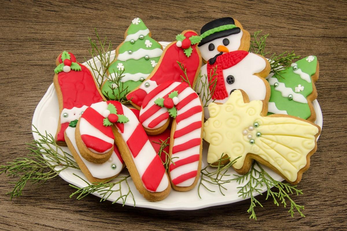 Soft Christmas Sugar Cookies  Soft Christmas Sugar Cookies KitchMe