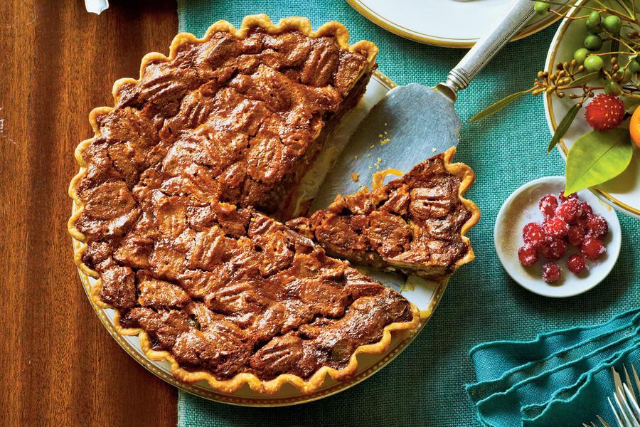 Southern Thanksgiving Desserts  Chocolate Caramel Pecan Pie Splurge Worthy Thanksgiving