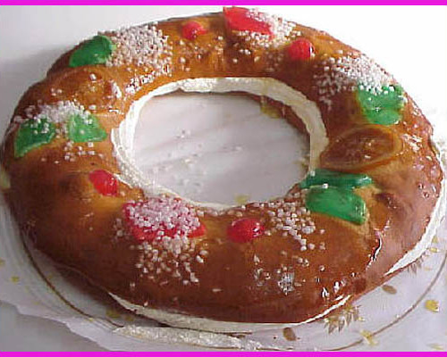 """Spain Christmas Desserts  The """"Roscón de Reyes"""" – a Traditional Cake for the 3 Kings"""