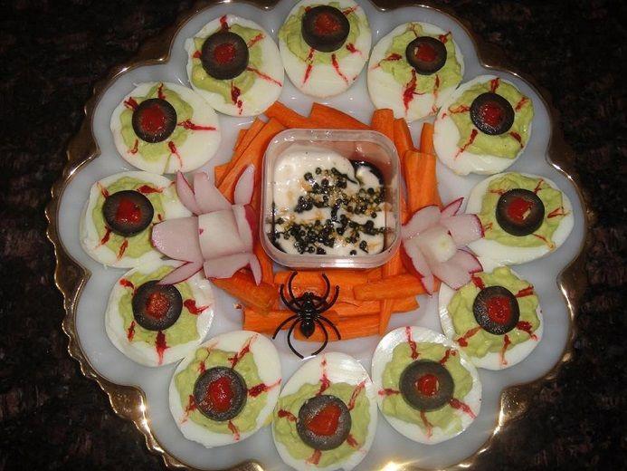 Spooky Deviled Eggs Halloween  Best 25 Halloween deviled eggs ideas on Pinterest