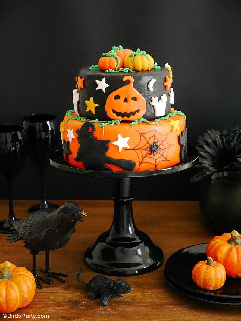 Spooky Halloween Cakes  A Super Easy Two Tier Halloween Cake Party Ideas